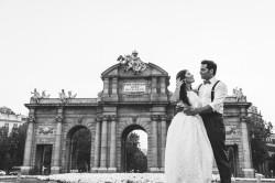 postboda-madrid-parque-del-retiro-fotos-novios-0050