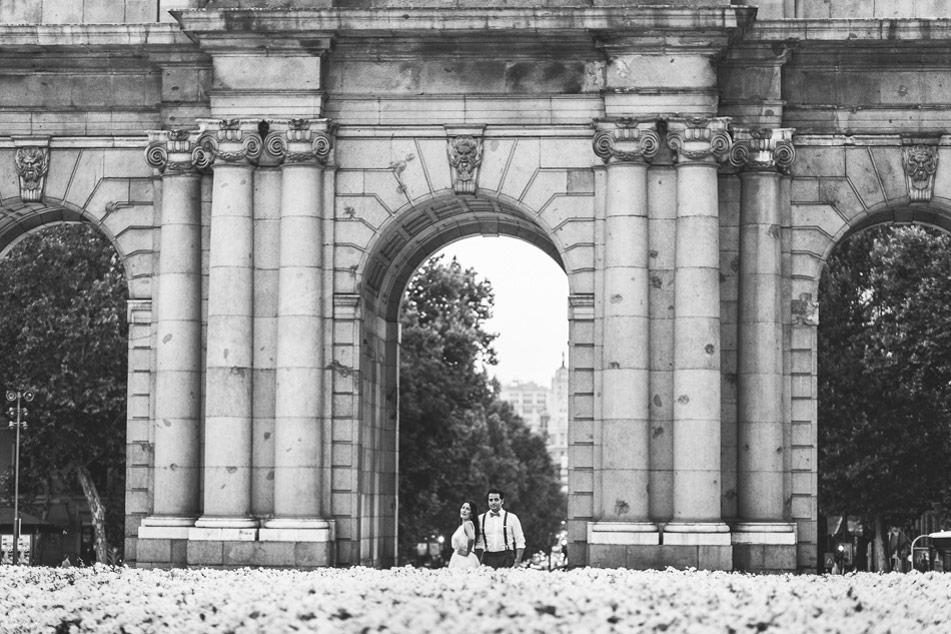 postboda-madrid-parque-del-retiro-fotos-novios-0054